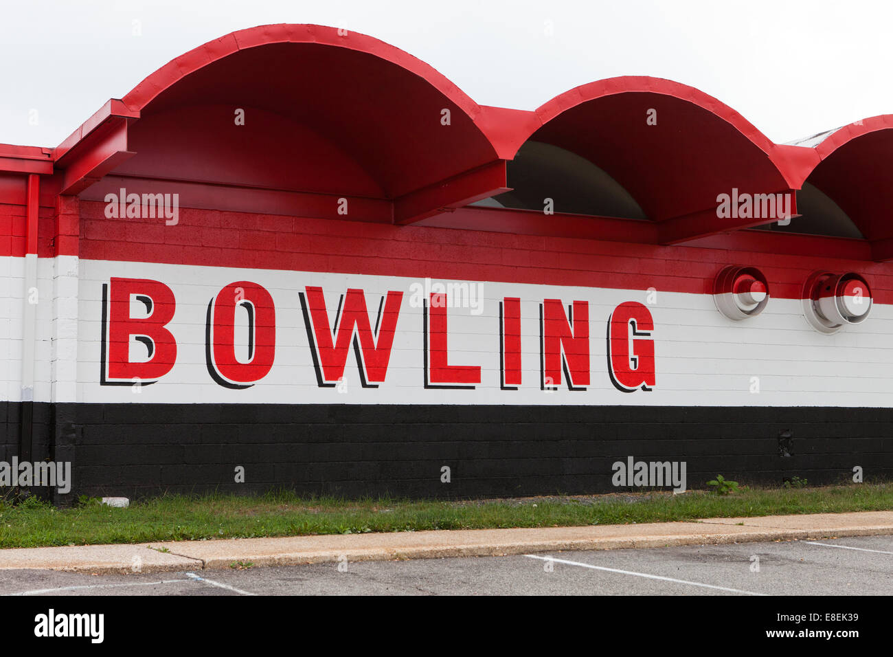 Old Bowling center sign - Virginia USA - Stock Image