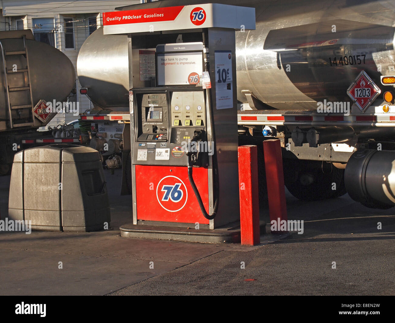 Gasoline delivery truck at station - Stock Image