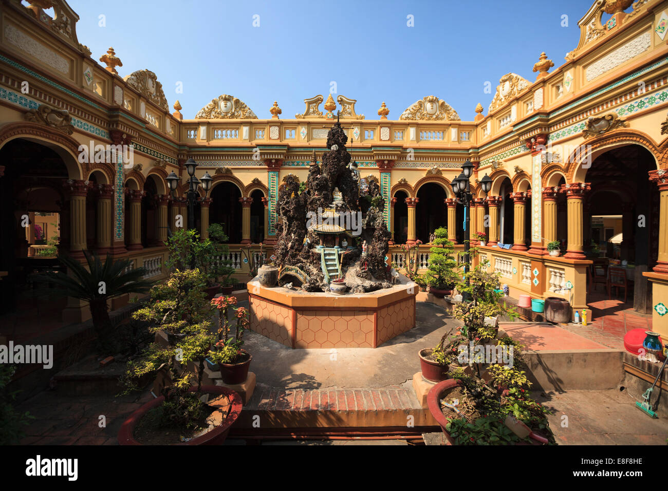 Vietnam, Mekong Delta, My Tho, Vinh Trang Pagoda - Stock Image