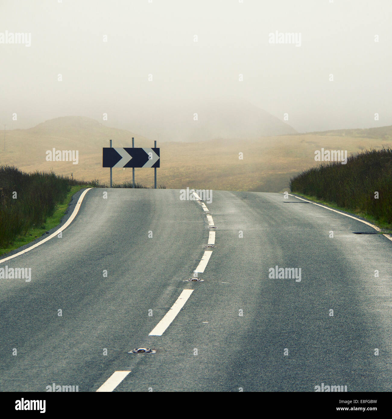 Curved road - Stock Image
