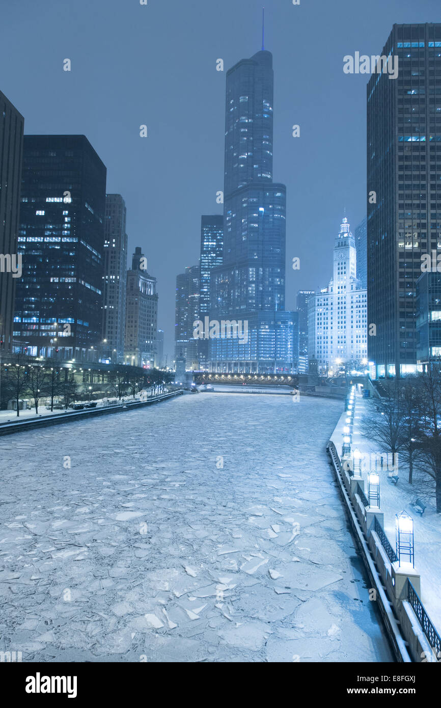 Chicago city skyline in winter, Illinois, America, USA - Stock Image
