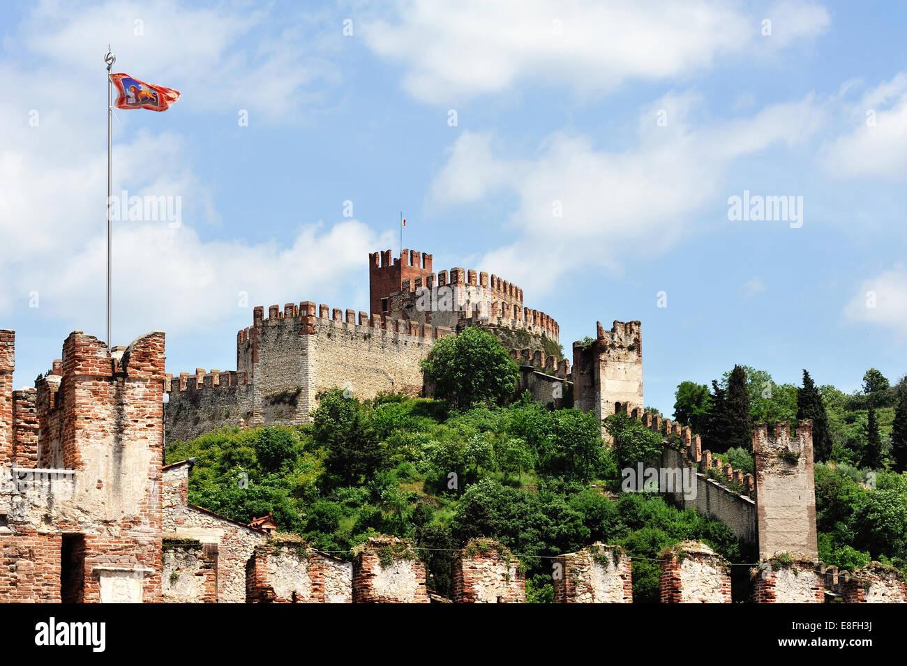 Italy, Veneto, Soave, Castle of Soave - Stock Image
