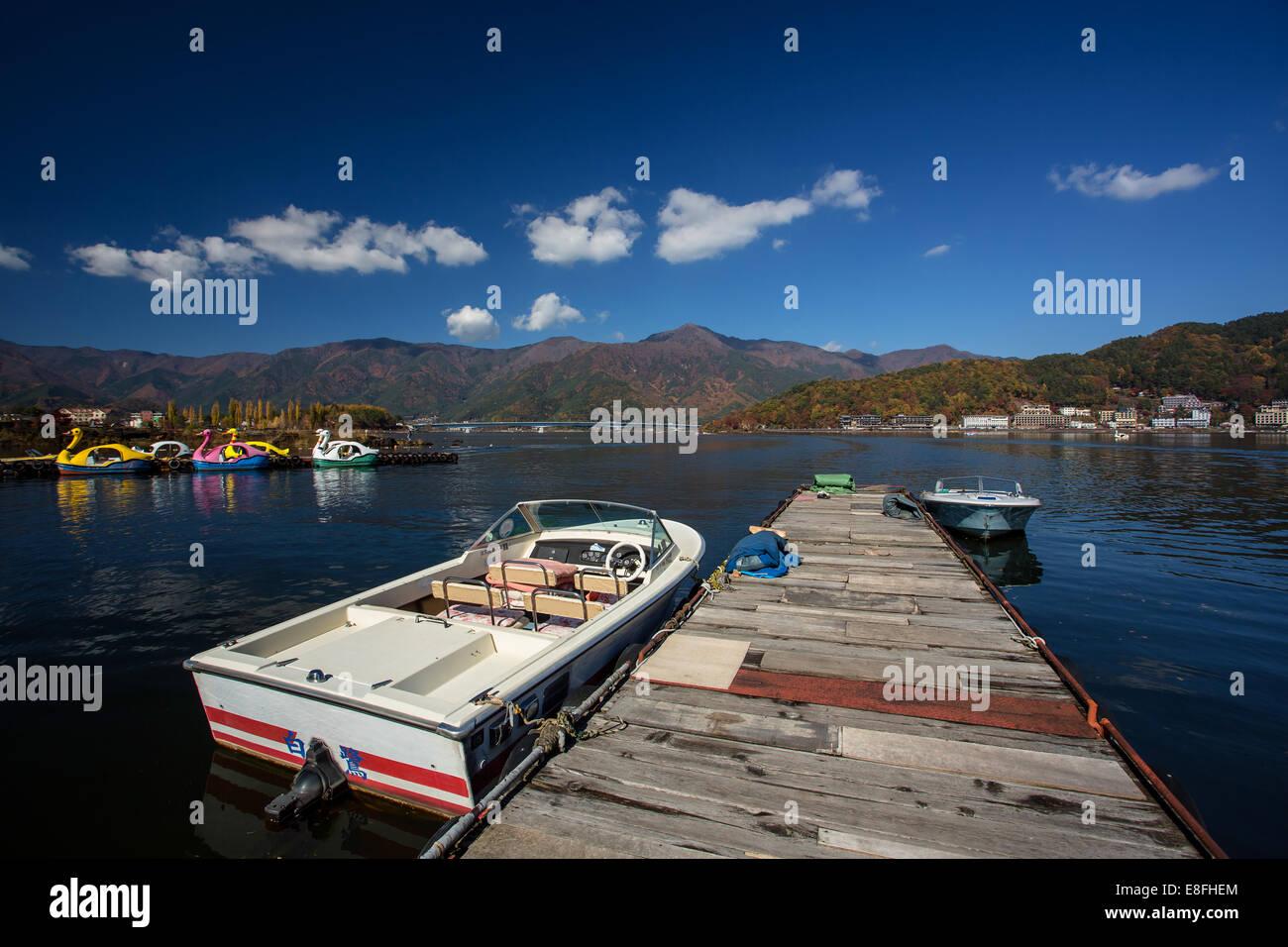 Japan, Chubu Region, Tagata, Fujiyoshida, Water transportation at Kawaguchi Lake - Stock Image