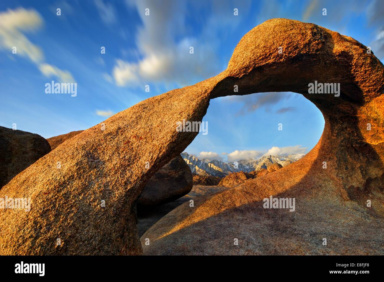 USA, California, Alabama Hills National Recreation Area, View of Rowell Arch - Stock Image