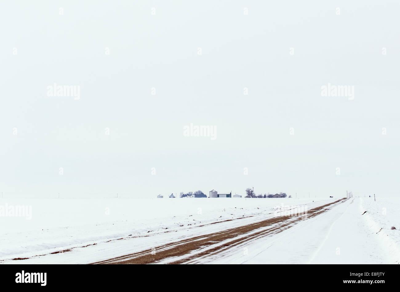 USA, Illinois, Iroquois County, Gilman, Rural winter landscape - Stock Image