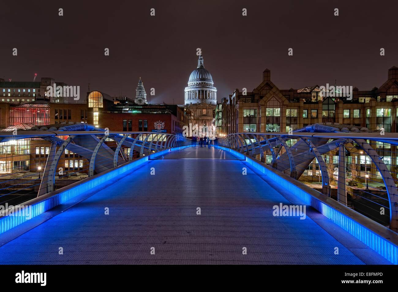 United Kingdom, London, View of Millennium Bridge - Stock Image