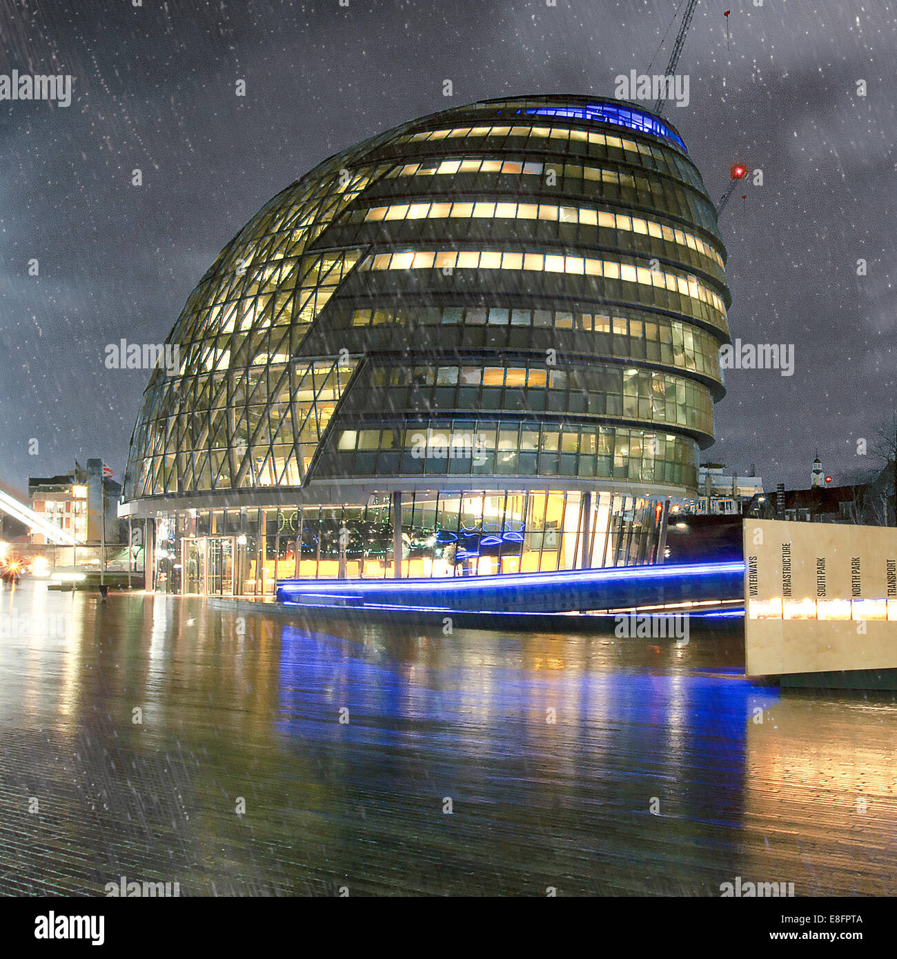 City Hall in the rain, London, England, UK - Stock Image