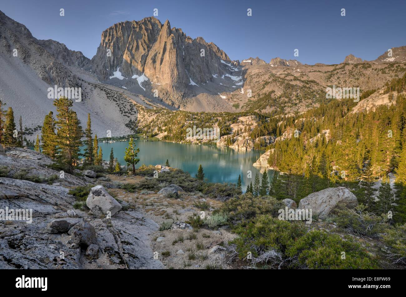 USA, California, Inyo National Forest, Temple Crag and Second Lake - Stock Image