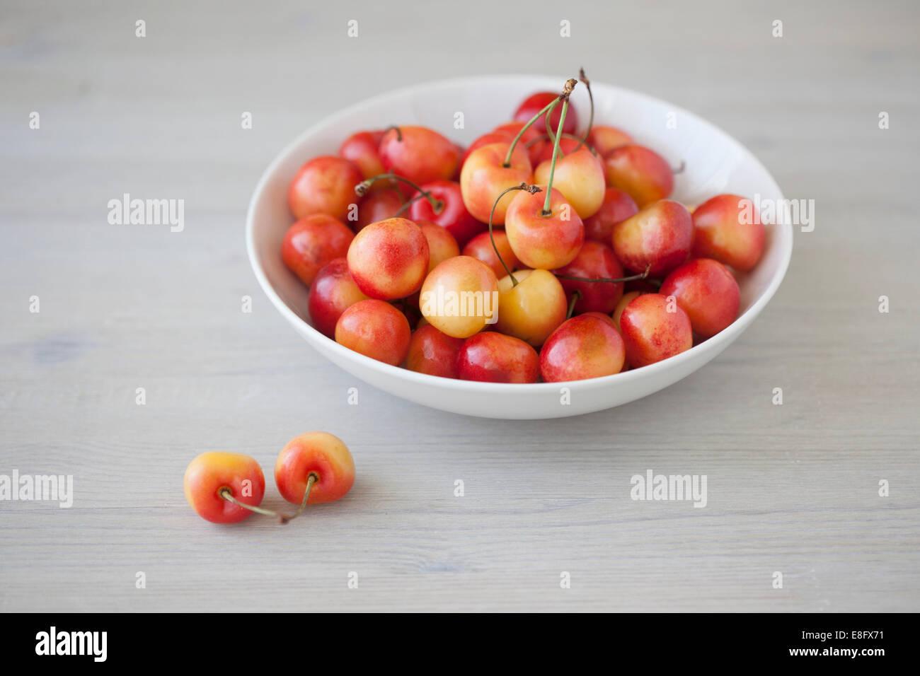 Bowl of cherries - Stock Image