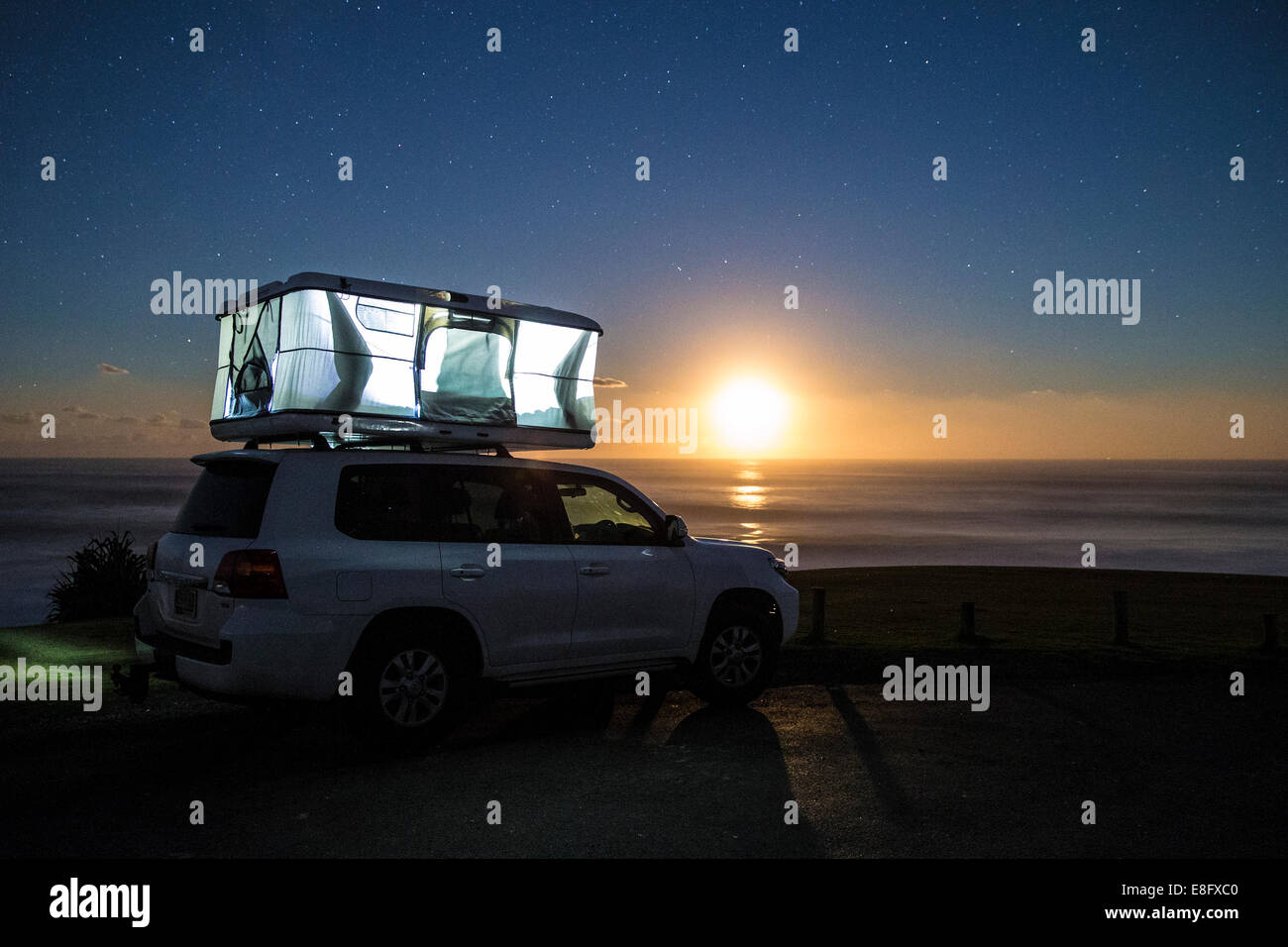 Sleeping tent on top of car - Stock Image