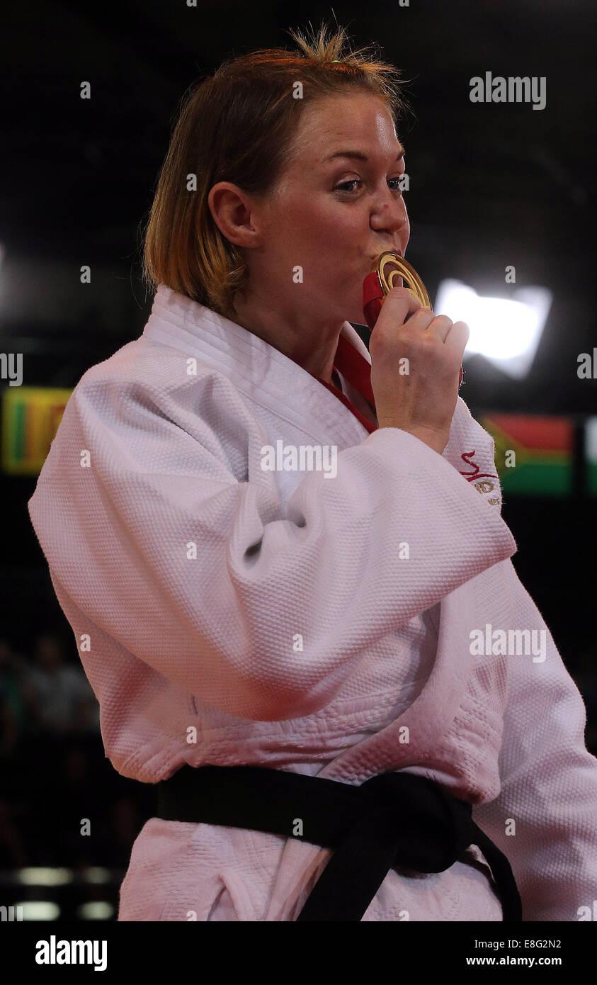 Megan Fletcher (ENG) receives her Gold Medal - Judo 70kg - SECC - Glasgow Scotland, UK -  250714 - Glasgow 2014 - Stock Image