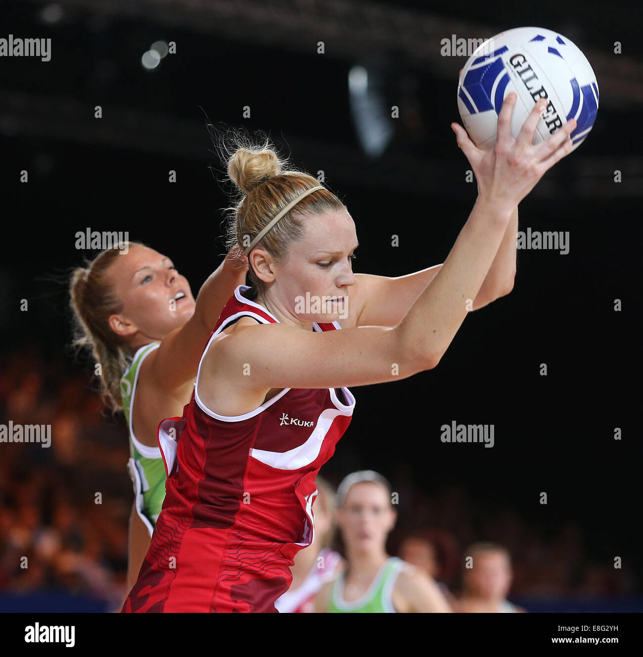 Joanne Harten (ENG) in action  - Netball - SECC - Glasgow Scotland, UK -  250714 - Glasgow 2014 Commonwealth Games - Stock Image