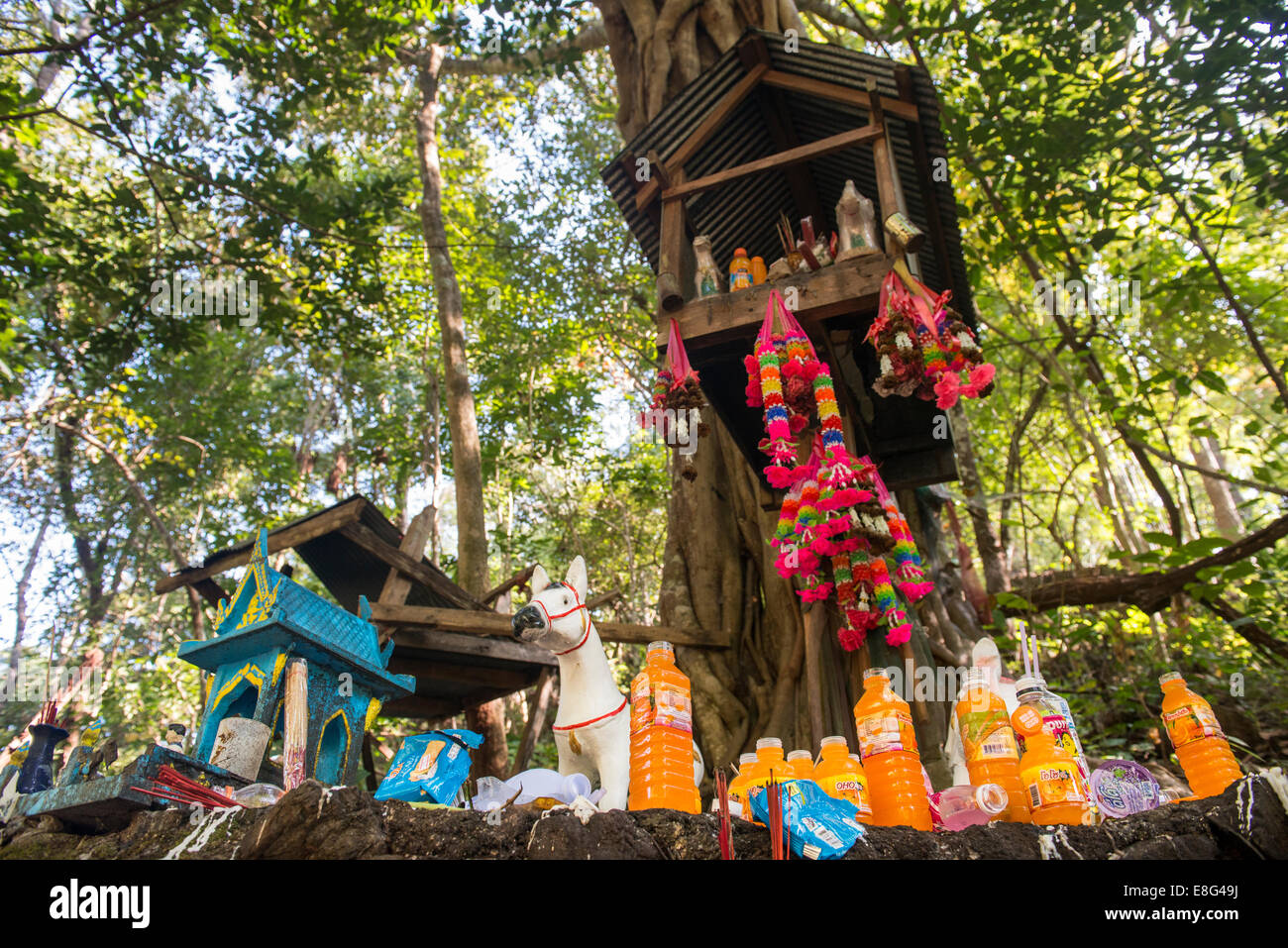 Spiritual small house in Thailand, Soppong, Mae Hong Son - Stock Image