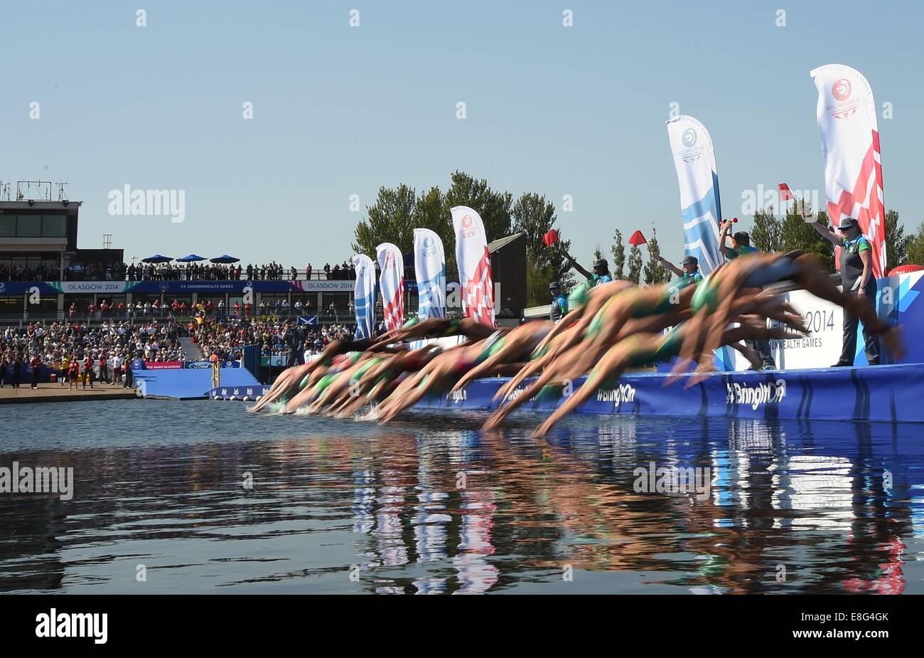 The start of the Women's Triathlon at the 2014 Commonwealth Games. Triathlon. Strathclyde Country Park, Glasgow, - Stock Image