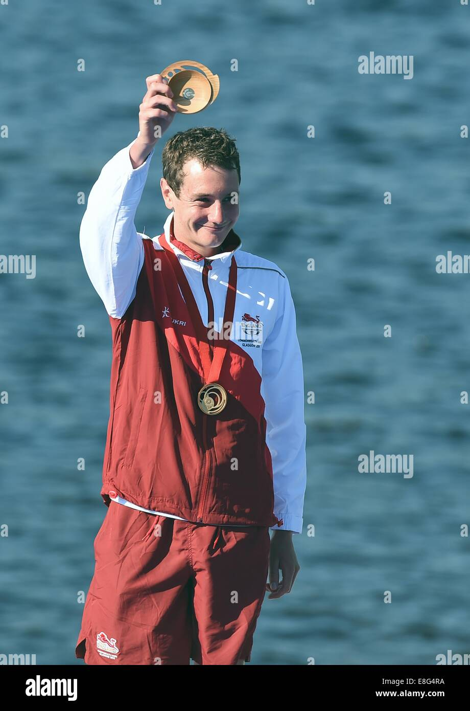Alistair Brownlee celebrates winning the gold medal. Triathlon. Strathclyde Country Park, Glasgow, Scotland, UK - Stock Image
