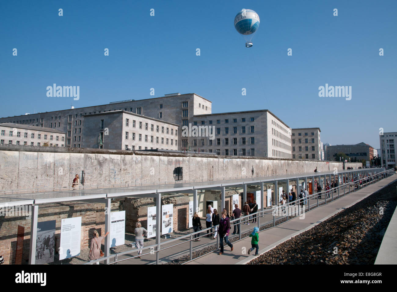 Topography of Terror museum on site of former SS and Gestapo headquarters, stretch of Berlin Wall - Stock Image