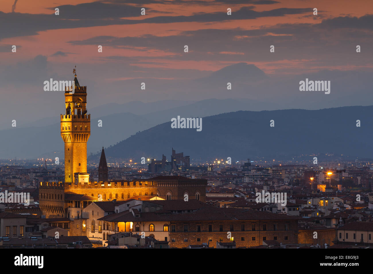 Palazzo Vecchio (Old Palace) at night from Piazzale Michelangelo, Florence, Tuscany, Italy. - Stock Image