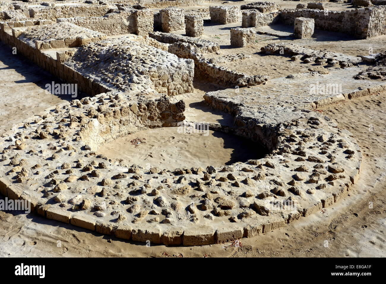 Excavations of Dilmun-era ruins at the Bahrain Fort archaeological site, Kingdom of Bahrain - Stock Image