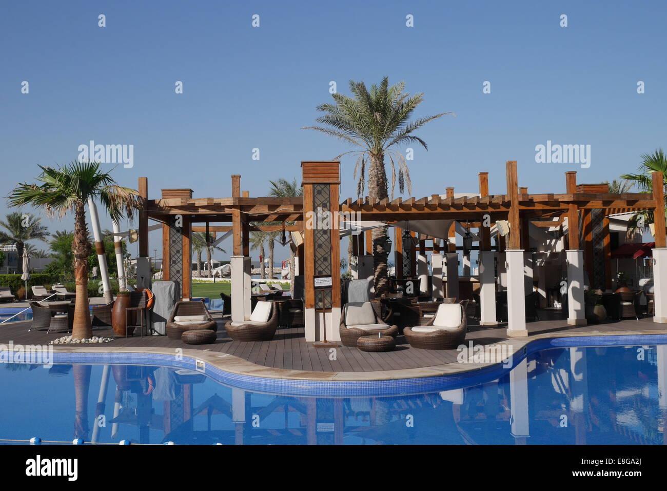 Pool bar stock photos pool bar stock images alamy - Jumeirah beach hotel swimming pool ...