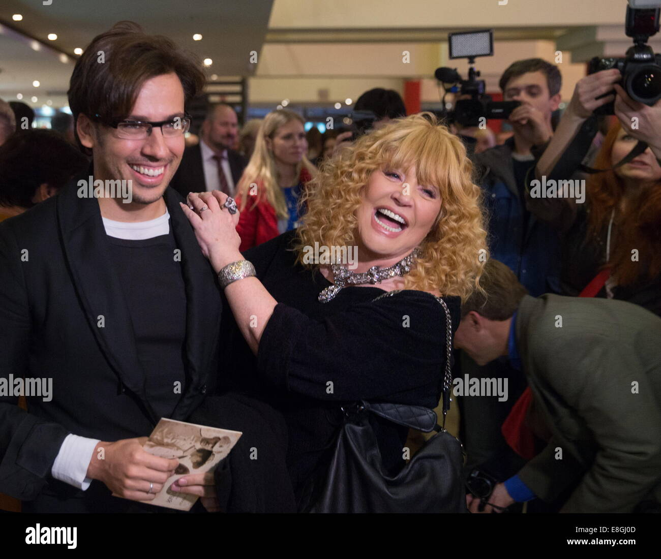 Alla Pugacheva and Maxim Galkin named their son after a fairytale character 12/16/2013 31