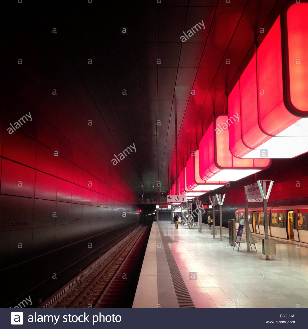 Empty train platform, Hamburg, Germany - Stock Image