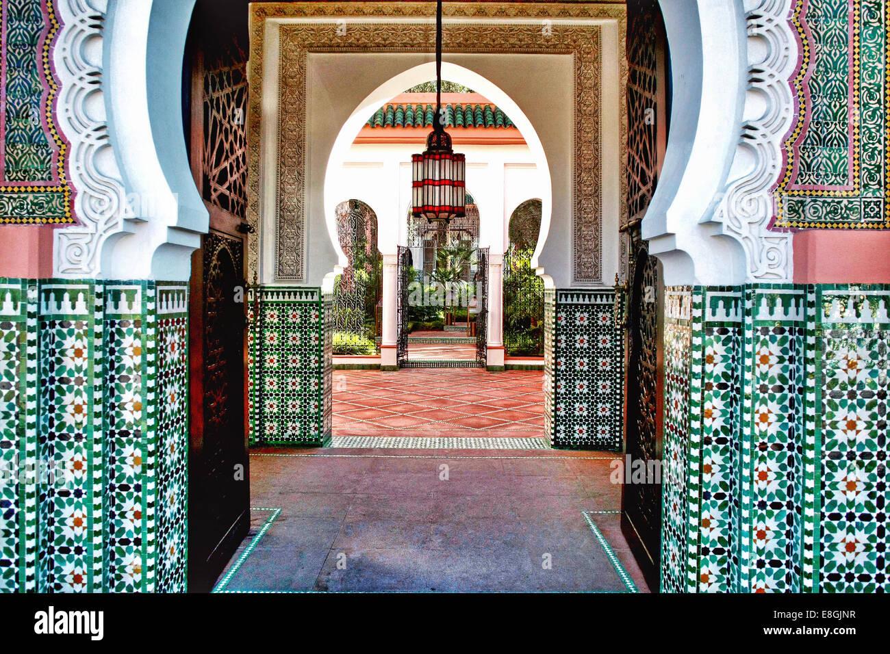 Morocco, Marrakesh-Tensift-El Haouz, Province Marrakesh, Marrakesh, Hotel interior with archway Stock Photo