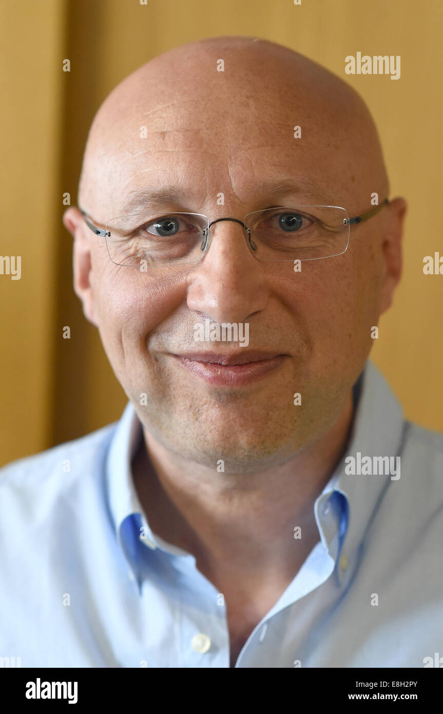 Goettingen, Germany. 8th Oct, 2014. Stefan W. Hell at a small party with his colleagues in Goettingen, Germany, - Stock Image