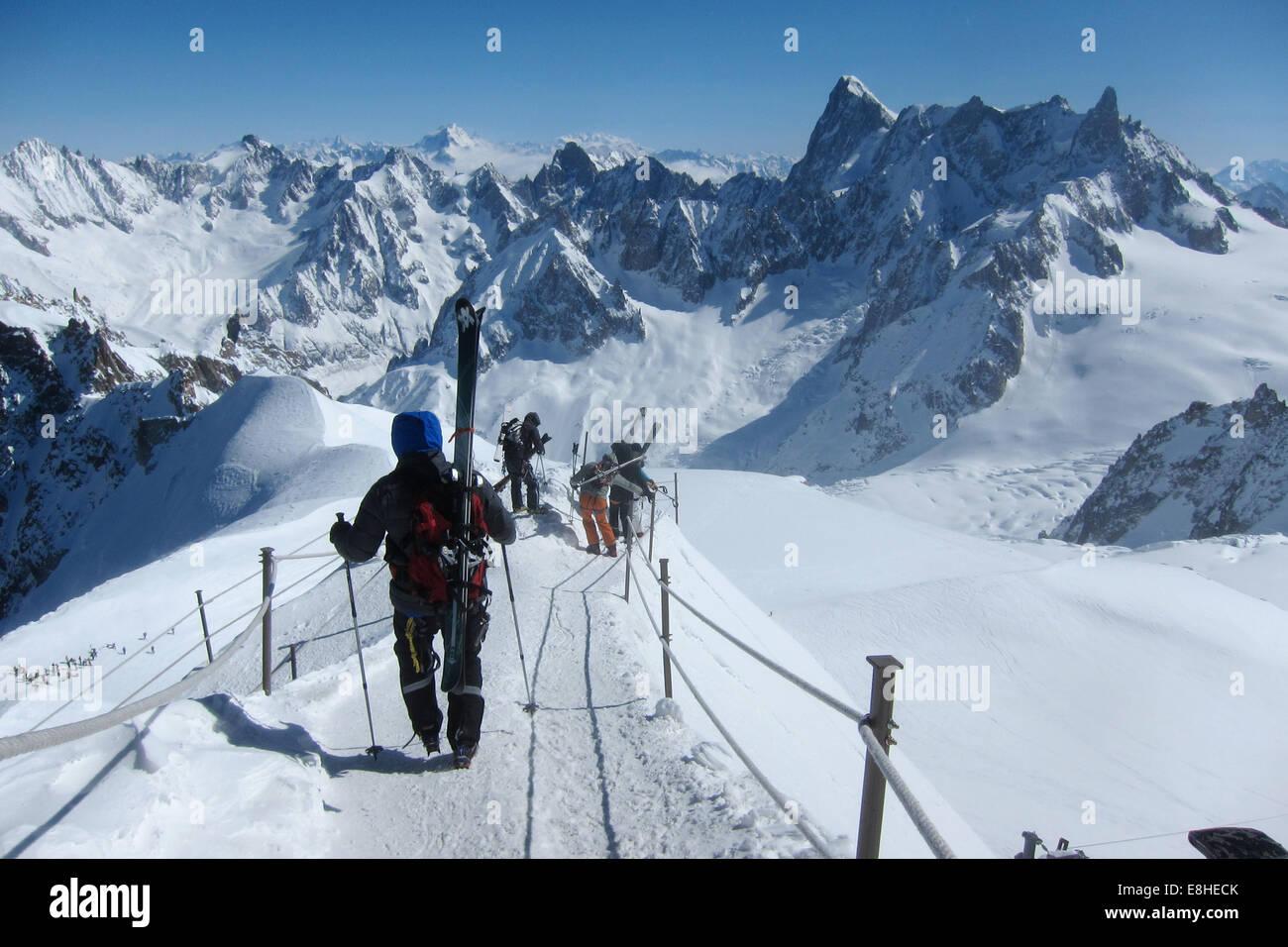 Aiguille du Midi ridge towards Vallee Blanche, Chamonix, France - Stock Image
