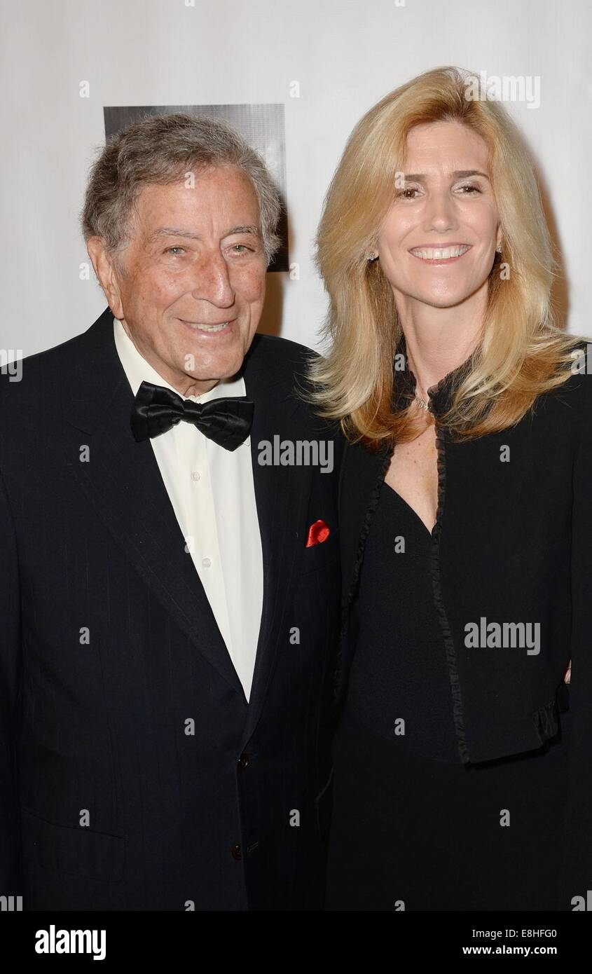 New York, NY, USA. 7th Oct, 2014. Tony Bennett, Susan Crow at arrivals for The Friars Foundation Gala 2015, The - Stock Image