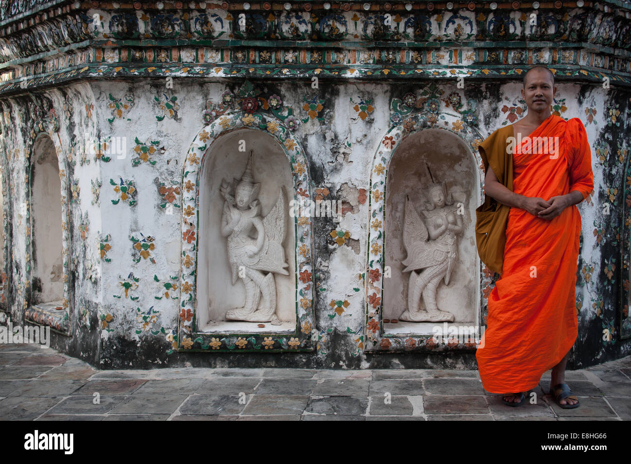 Monk at Wat Pho in Bangkok Thailand - Stock Image