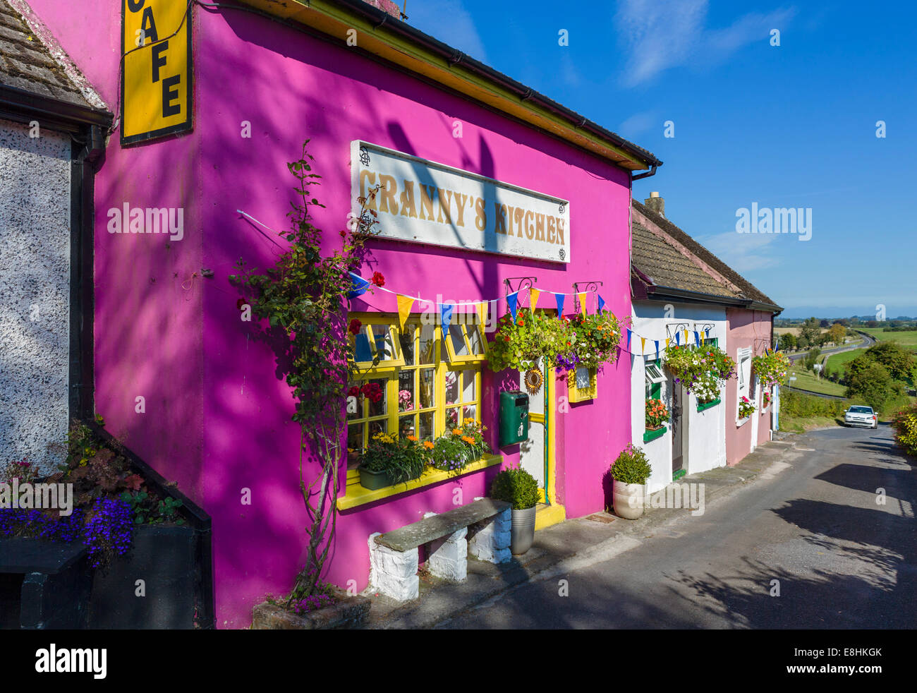 Colourful cafe by the Rock of Cashel, County Tipperary, Republic of Ireland - Stock Image