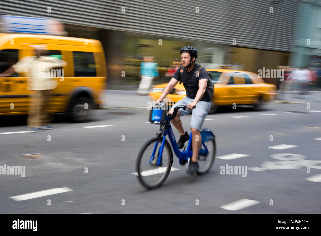 Bicyclist in New York City - Stock Image