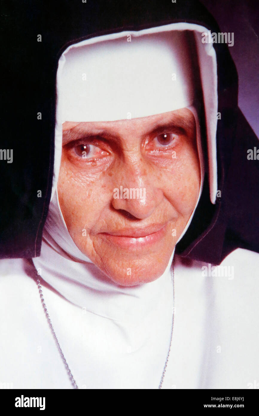 Irm‹ (Sister) Dulce Pontes, S.M.I.C., (26 May 1914 Ð 13 March 1992) was a Brazilian Catholic Franciscan Sister - Stock Image