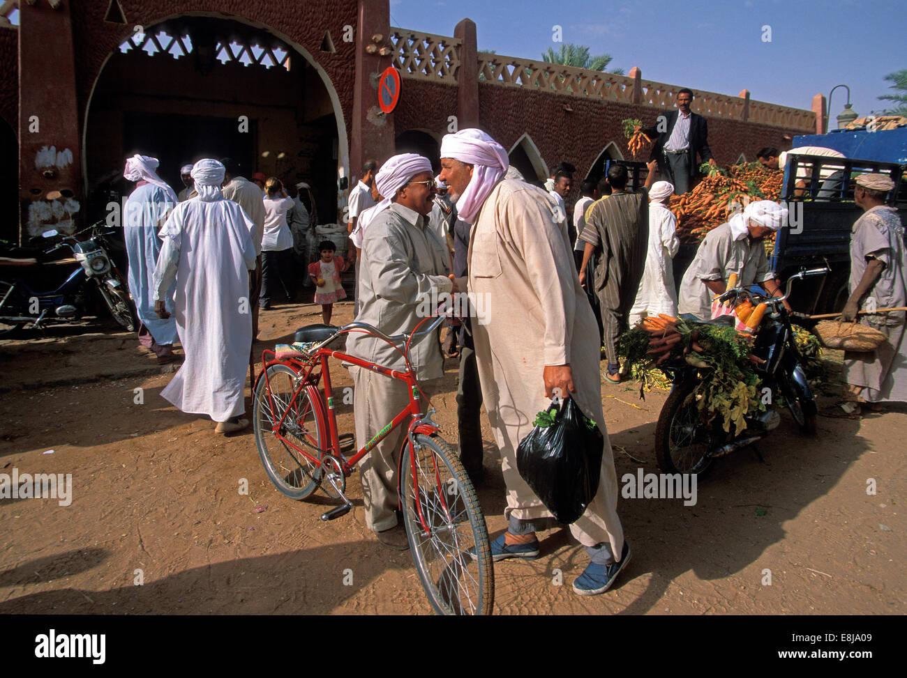 Tuareg population of Timimoun in Algeria. Shops in a market. - Stock Image
