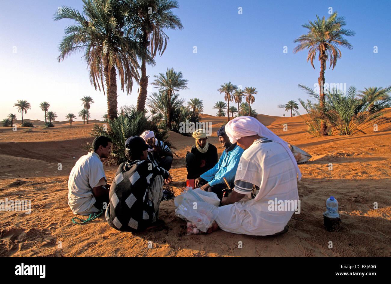 Tuareg population of Timimoun in Algeria. Tea ceremony. - Stock Image
