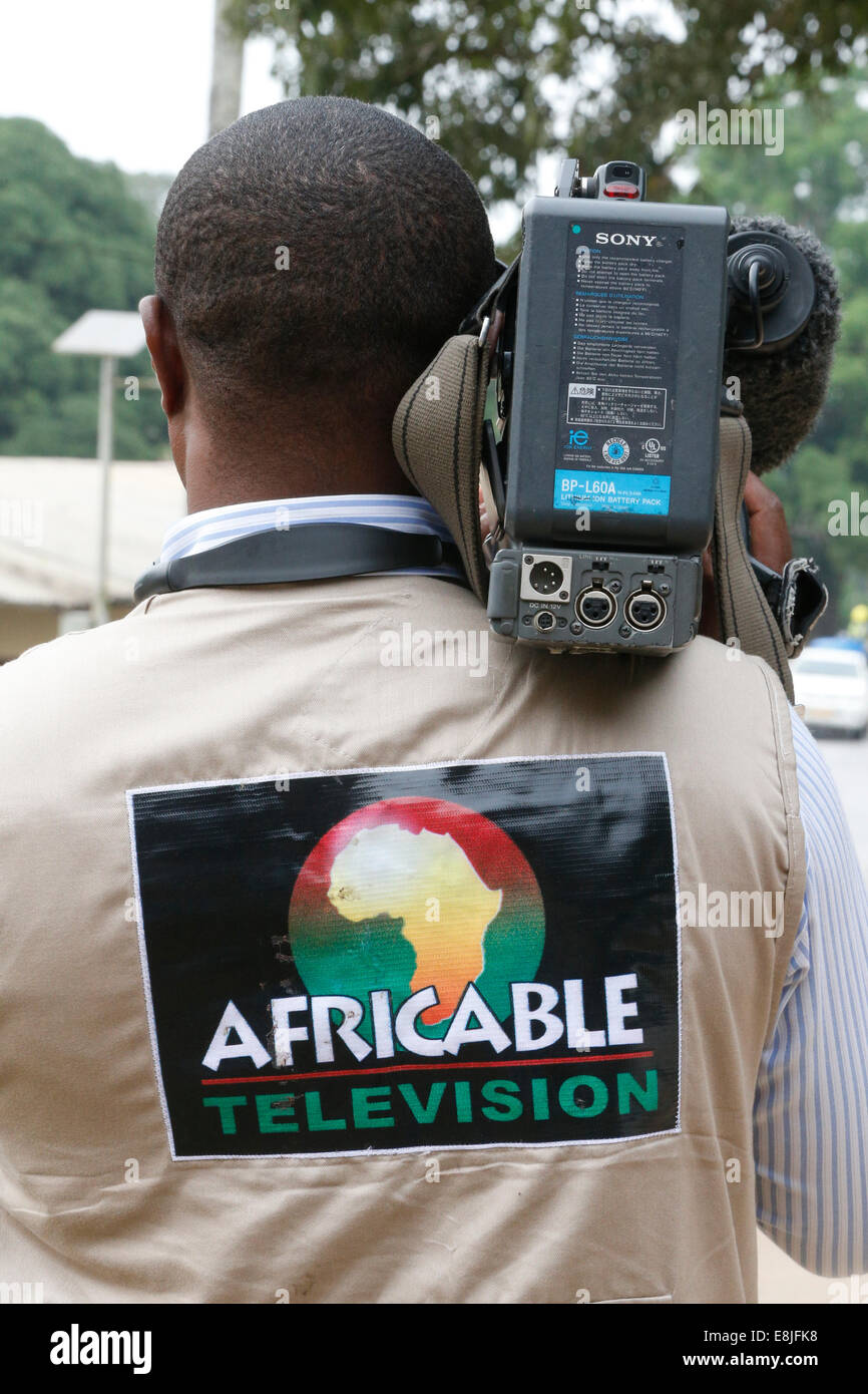 Cameraman : Africable television. - Stock Image