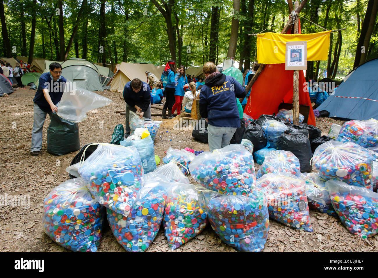 FRAT young catholics' gathering. Scrap recycling - Stock Image