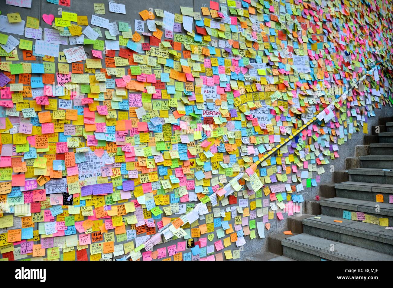 Hong Kong. 9th October, 2014. People's messages of support for the pro-democracy protests are posted on the walls Stock Photo