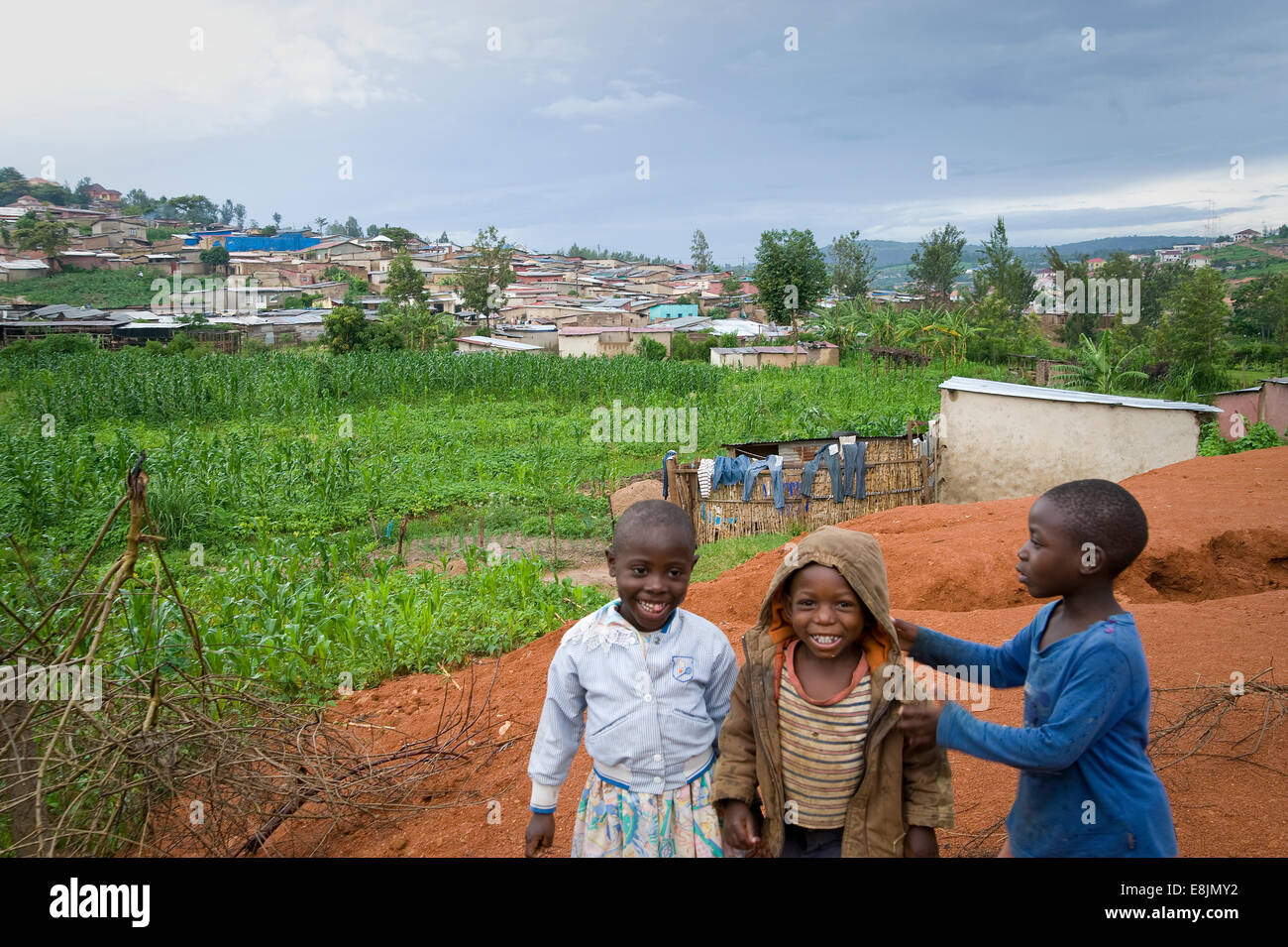 RWANDA, KIGALI: Kigali is a very green hilly city with simple mud and stone houses. - Stock Image