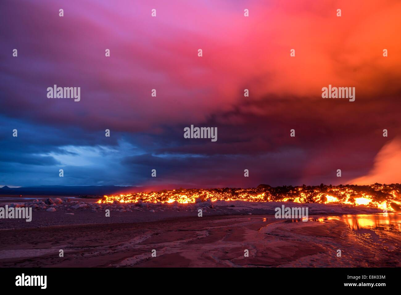 Glowing lava from the eruption at the Holuhraun Fissure, near the Bardarbunga Volcano, Iceland. - Stock Image