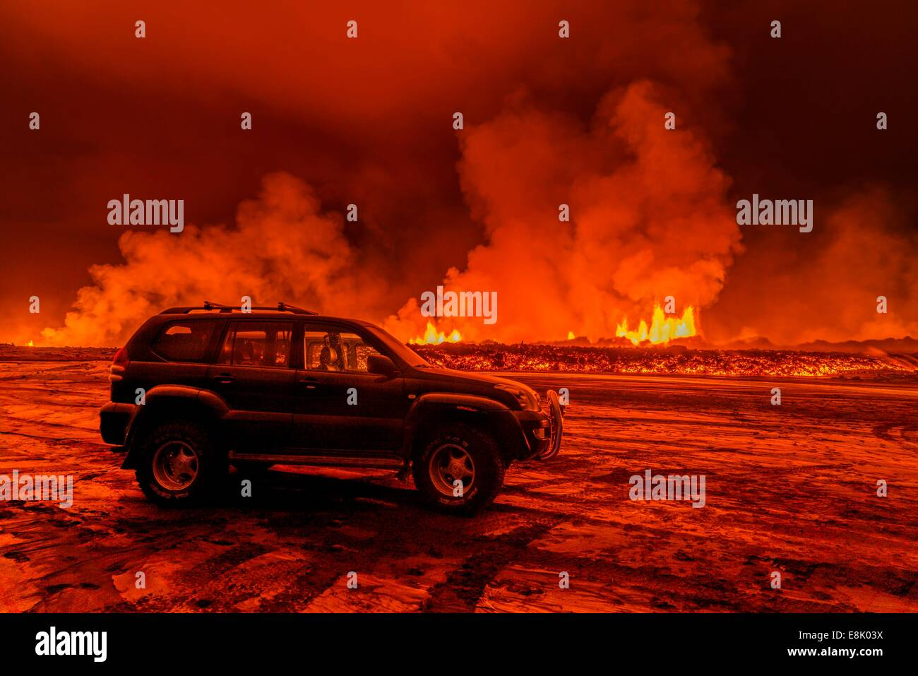 SUV close to the Eruption at Holuhraun, near the Bardarbunga Volcano, Iceland. - Stock Image