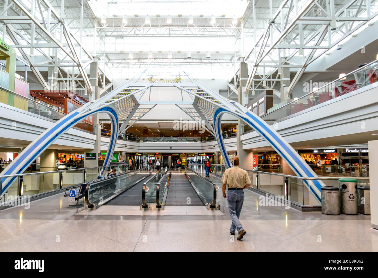 People Movers Stock Photos Amp People Movers Stock Images