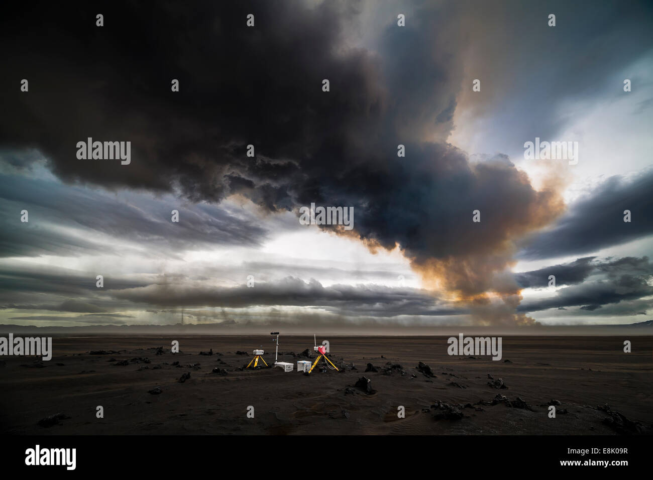 Scientific equipment-Volcanic Plumes with toxic gases, Holuhraun Fissure Eruption, Iceland - Stock Image