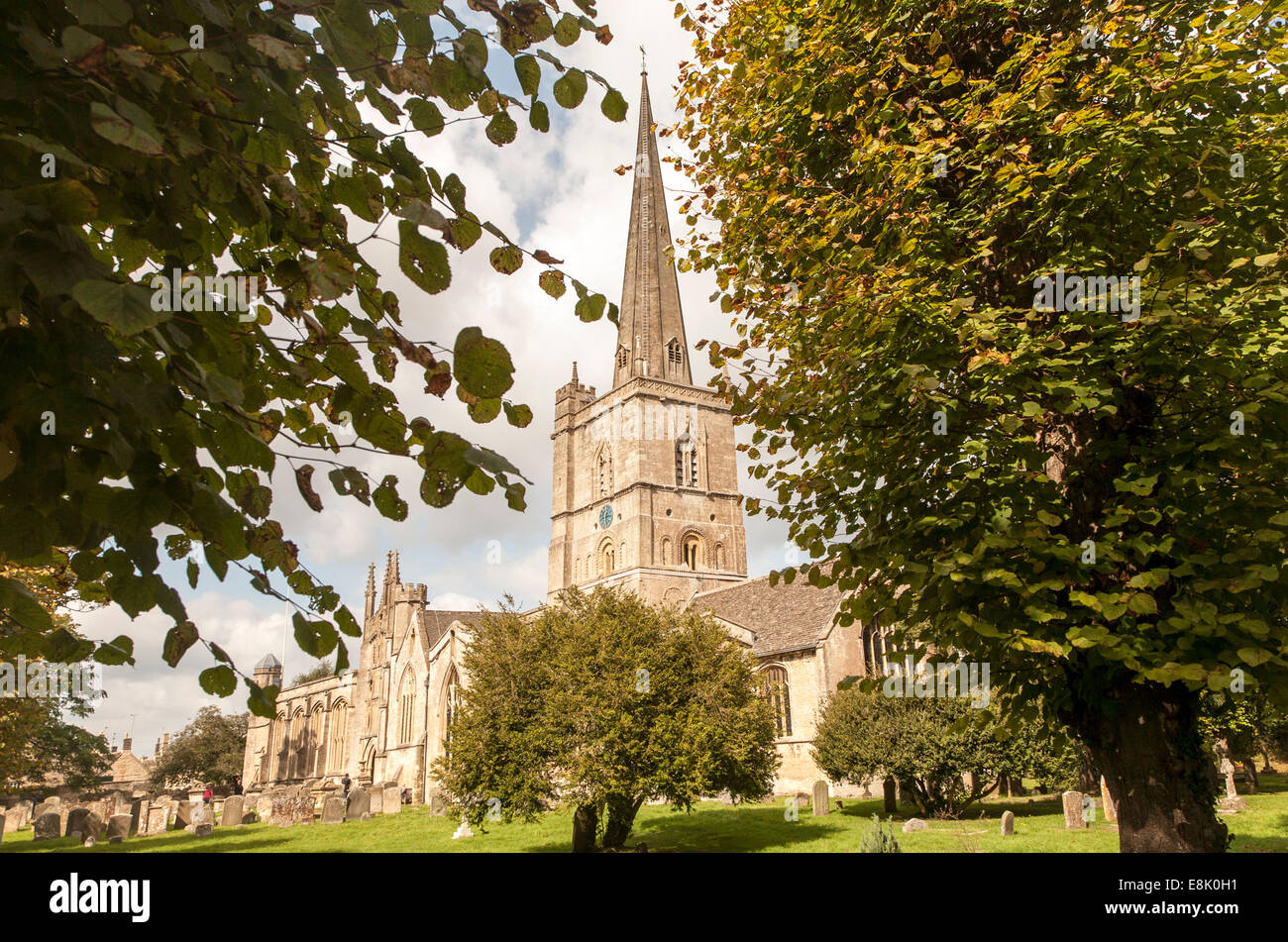 St John the Baptist church with spire, Burford, Oxfordshire, England, UK - Stock Image