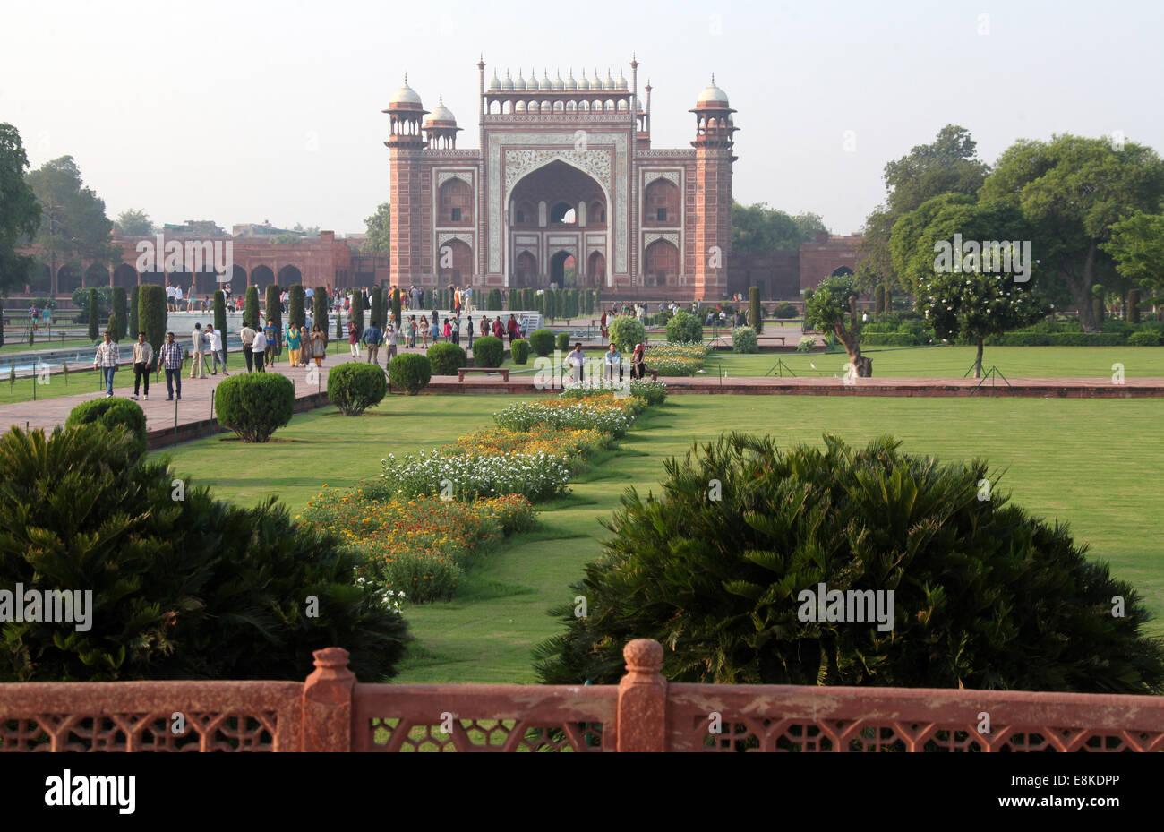 Taj Garden Agra Garden Ftempo