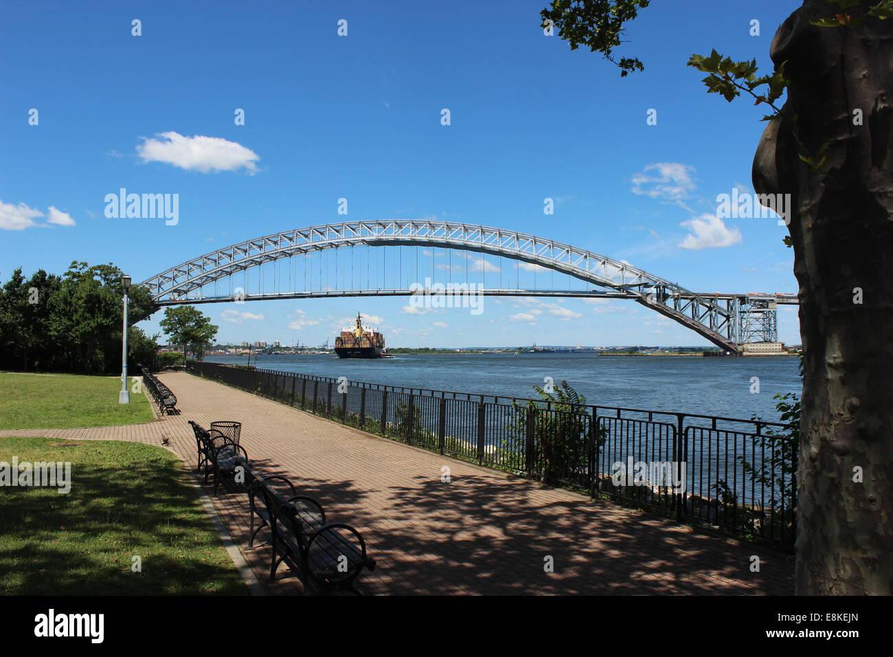 Bayonne Bridge from Staten Island, New York, to Bayonne, New Jersey. Opened 1931. - Stock Image