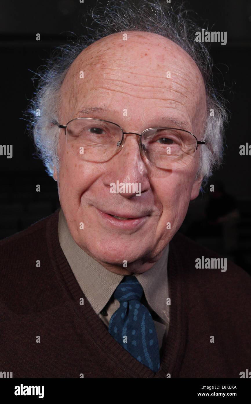 Professor Roald Hoffmann winner of the 1981 Nobel Prize for Chemistry - Stock Image