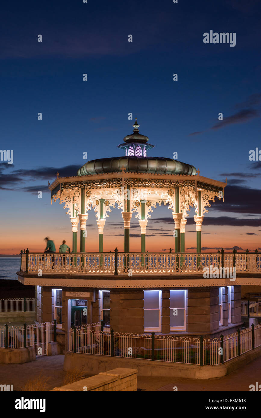 The recently-restored bandstand on Brighton seafront. - Stock Image