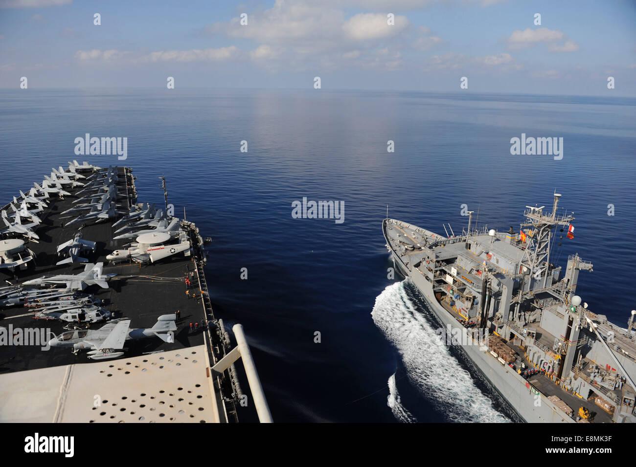 Mediterranean Sea, October 29, 2013 - The Military Sealift Command fast combat support ship USNS Rainier (T-AOE - Stock Image