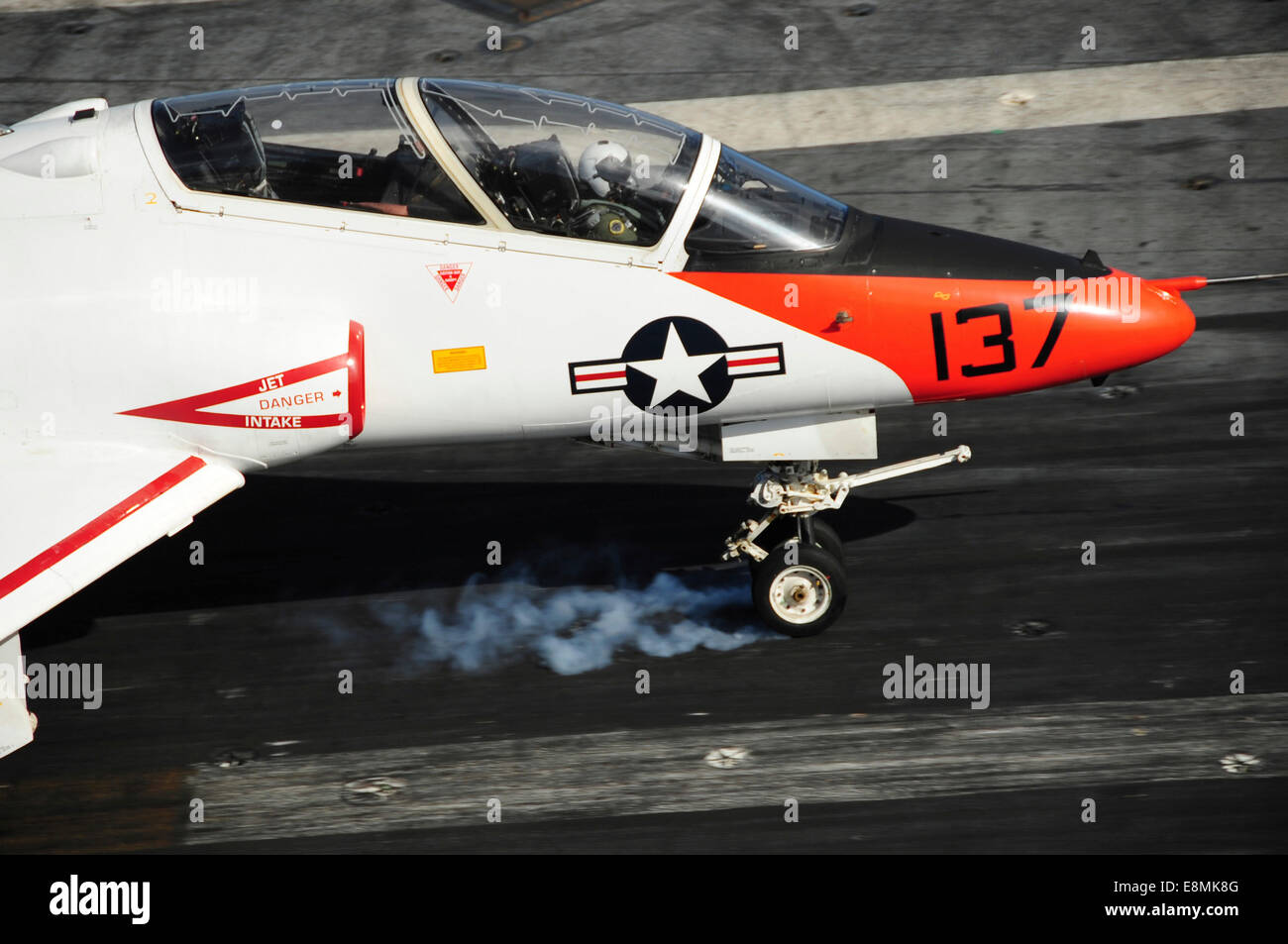 Atlantic Ocean, December 10, 2013 - A T-45C Goshawk lands on the flight deck of the aircraft carrier USS Theodore - Stock Image